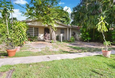 841 NE 182nd Ter   0 North Miami Beach FL 33162