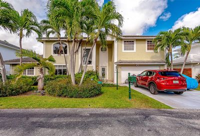 2545 NE 206th Ln Miami FL 33180