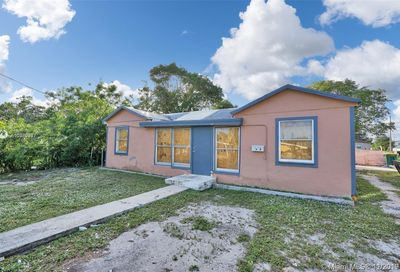 1506 S K Ln Lake Worth FL 33460