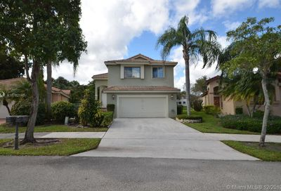 6511  Pelican Ter Coconut Creek FL 33073