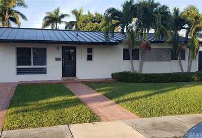 9815 SW 196th St Cutler Bay FL 33157