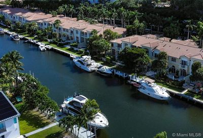 3709 NE 214th St   /+Guest House+Dock Aventura FL 33180