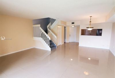 3299 NW 44th St   4 Oakland Park FL 33309