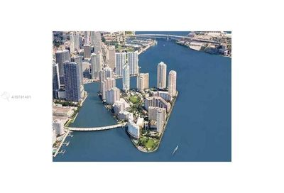 848  Brickell Key Dr   1005 Miami FL 33131