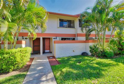4306 SW 70th Ter Davie FL 33314