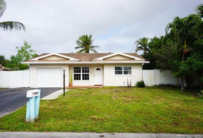 3403 NW 68th Ct Fort Lauderdale FL 33309