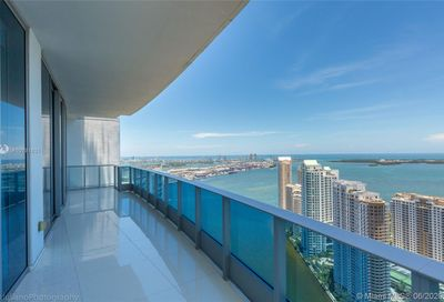 200  Biscayne Blvd Way   5204/5208 Miami FL 33131