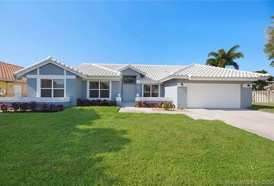 9696 W Lake Ct Boca Raton FL 33434