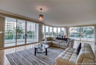 21150  Point Pl   705 Aventura FL 33180