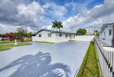 Income Producing Property SW in Sweetwater Sweetwater FL 33174