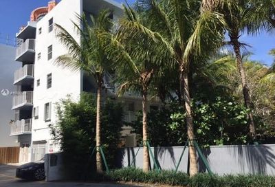 61  Collins Ave   202 Miami Beach FL 33139