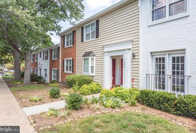 4606 28th Road S C Arlington VA 22206