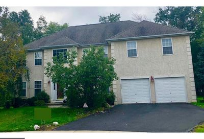 97 Fairway Court Quakertown PA 18951