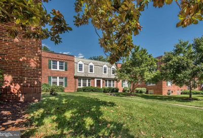 1733 Queens Lane 1-122 Arlington VA 22201