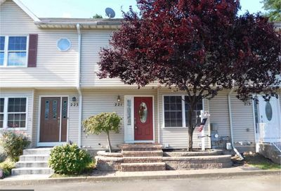 221 Melvin Ave S Morrisville PA 19067