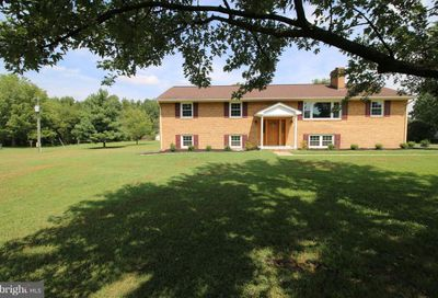 13 Little Creek Lane Fredericksburg VA 22405