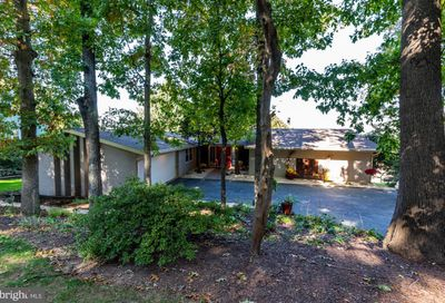 153 Maple Drive New Holland PA 17557