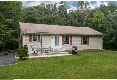 2577 Hill Road East Rockhill PA 18960