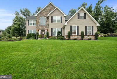 1039 Victor Drive East Greenville PA 18041