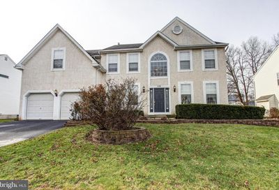 376 Essex Court Perkasie PA 18944