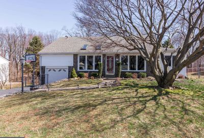 35 Cambridge Road Broomall PA 19008