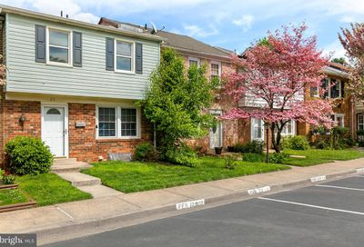23 Big Acre Square 20-3 Gaithersburg MD 20878