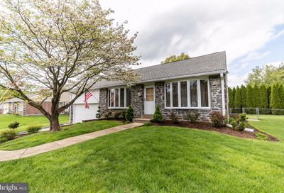 68 Cambridge Road Broomall PA 19008