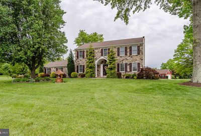 5749 Belmont Manor Drive Pipersville PA 18947