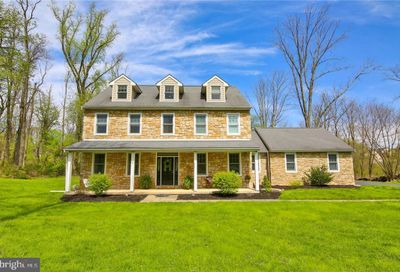 6371 Kings Highway Zionsville PA 18092