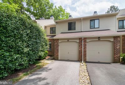 102 Hanover Court Chesterbrook PA 19087