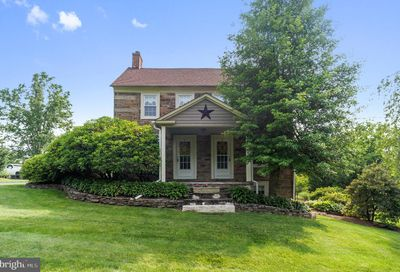 277 S Swamp Road Fountainville PA 18923