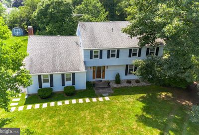 22 Sherwood Lane Doylestown PA 18901