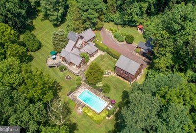 405 County Line Road Riegelsville PA 18077