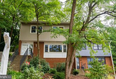 5042 Chesterfield Road S Arlington VA 22206