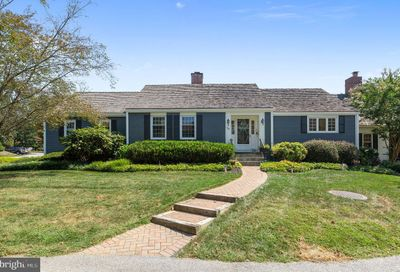 1126 Queens Way West Chester PA 19382