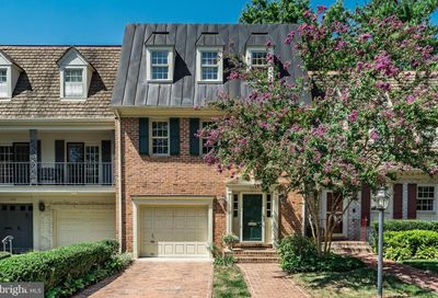 304 Wrens Way Falls Church VA 22046