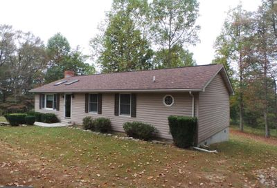 3225 Magnolia Rd Great Cacapon WV 25422