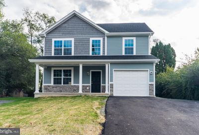 852 Jefferson Avenue Charles Town WV 25414