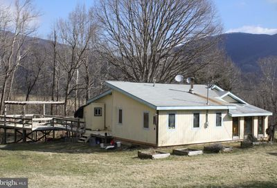 14 Old Ski Lodge Lane Washington VA 22747