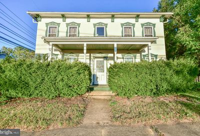 121 Mildred Charles Town WV 25414