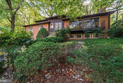 4008 38th Place N Arlington VA 22207