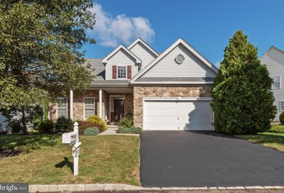 717 S Settlers Circle Warrington PA 18976