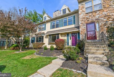 63 Iroquois Court Chesterbrook PA 19087