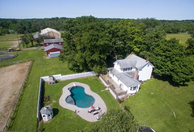 6596 Groveland Road Pipersville PA 18947