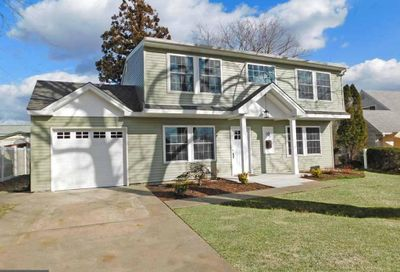 10 Maroon Road Levittown PA 19056