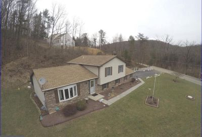 874 Crystal Cave Road Kutztown PA 19530