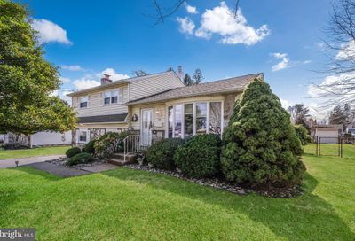 746 Violet Road Warminster PA 18974
