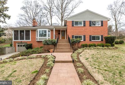 8826 Mcgregor Drive Chevy Chase MD 20815