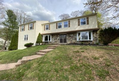 213 Fawnhill Road Broomall PA 19008