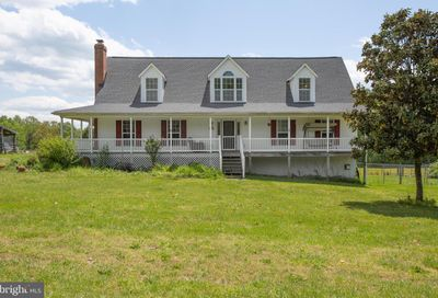 676 Apple Grove Road Mineral VA 23117